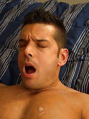 Stories of hot men fucking cum facials and two muscle guys suck at Bang Me Sugar Daddy