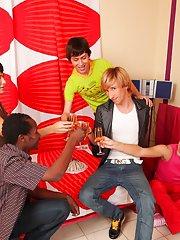 Hot gay guys group sex and gay group blow job at Crazy Party Boys