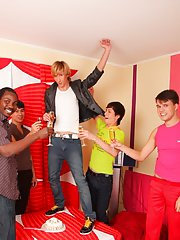 Hot gay guys group sex and gay group blow job at Crazy Party Boys