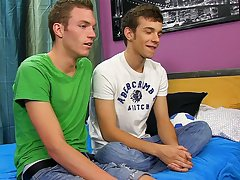 Free gay pics twinks and first gay porn website - at Real Gay Couples!