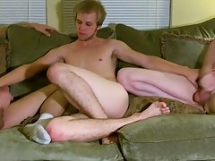 After the 3 of 'em kiss and suck every other, Erik receives drilled by Tristan while groaning around Aron's penis in his mouth amateur gay b