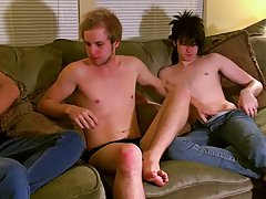 Teen kissing tiny cock and guys kissing and fucking videos free download - at Tasty Twink!