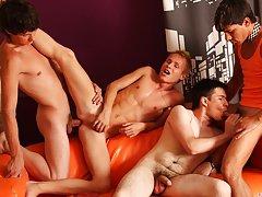 Men group masturbation and gay bj group at Crazy Party Boys