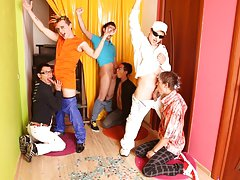 Gay group orgies and gays group porno at Crazy Party Boys