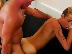 The Twink Houseboy Earns His Money