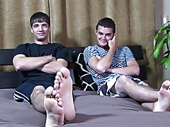 While he didn't quite deep throat, Darren, nonetheless, did a trick that had Bobby in awe of his skills twinks gay nude