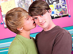 College boy shave dick and smooth young twinks bathroom pics