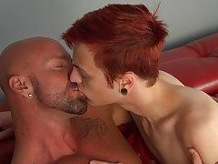 Muscle men videos bodybuilders andnot gay...