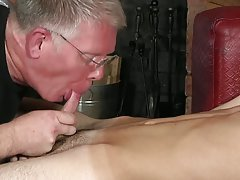 Gay hispanic short hairy muscle and old gay men blowjob - Boy Napped!