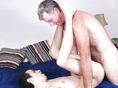Free gay anal stretch movie at Bang Me Sugar Daddy