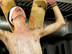 Guy cums in guys armpit hair and gay oral cum milking vids - Boy Napped!