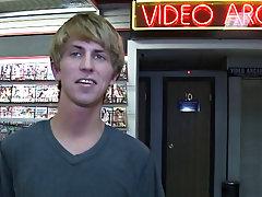 Boy blowjob tubes and free xxx boys play blowjob videos