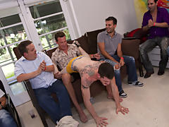 Gay blow job groups and fraternity gay group sex videos free at Sausage Party