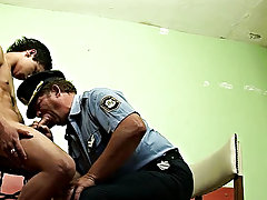 His sexy looks and cuffs on his hand turn the officer of the law on so much he forgets wide all his duties gay teen boy penis
