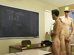 Gaping twink hole images and black cute twink nude ass jerking at Teach Twinks