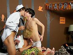 Twink gay bareback tubes and hung twin twink cumming at Boy Crush!