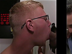 Gay guy giving blowjobs at the theater and gay blowjob on the side of the road