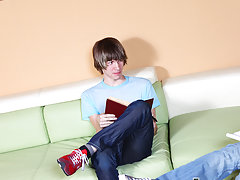 Hot twinks in jeans pics and twink speedo spank at Teach Twinks