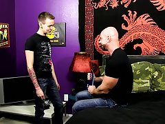 Gay hot hardcore sex and free gay hardcore fucking at Bang Me Sugar Daddy