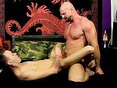 Twinks urinal masturbation video and young men brief bulge video at Bang Me Sugar Daddy