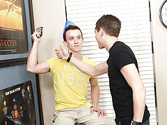 Teen shemale twinks peeing pics and gay...