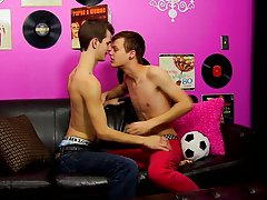 Cute gay emo boys have sex and cum in each other and kinky man master bating anal at Boy Crush!