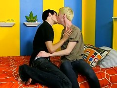 Hen and men fuck and cute blonde teen boys suck big cocks video at Boy Crush!