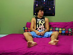 Gay guy shoots cum right into guys ass clips and gay hunks pissing in jeans pics at Boy Crush!