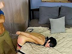 Free videos of nude muscular hunks sleeping and men spanking men bare ass at Bang Me Sugar Daddy