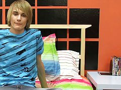 This hung east coast boy gives Boycrush a great starting interview free gay twink thumbnai at Boy Crush!