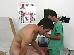 I then proceeded to take his temperature and placed his feet onto the stirrups, this also gave me the opportunity to exceptionally inspect his anus, c