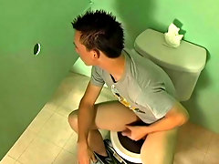 Nevin Scott is having a sneaky jerkoff in a bathroom, when Braden Fox just happens to stumble upon him and hear his jerkoff session brazilian men of p