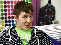 Kain Lanning is a hot little guy from Iowa free gay