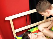 Ambiguous twinks and young gay teen sex emo vids at Boy Crush!