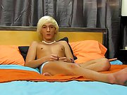 Cute sweet face twink video and twink sleeping pics at Boy Crush!