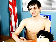 He answers probing questions about his sex life and shares interesting tidbits of information find free nude photos o at Teach Twinks